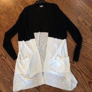 Sweaters - NWOT Black + White Colorblock Cardigan Duster